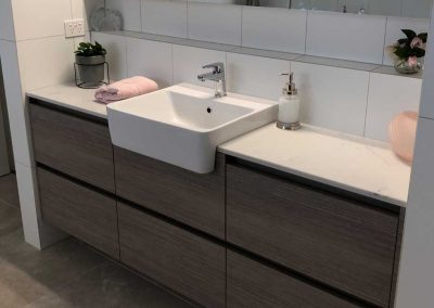 bathroom renovation and vanity in Mount Ommaney Brisbane with Avocado Constructions