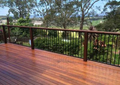 decking and handrails outdoor renovation Gold Coast with Avocado Constructions