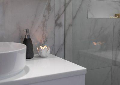 counter top vanity in calamvale bathroom renovation with Avocado Constructions