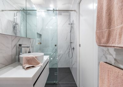 small ensuite renovation project in calamvale with Avocado Constructions